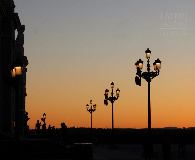 Puesta del Sol desde la Explanada de la Catedral de la Almudena de Madrid