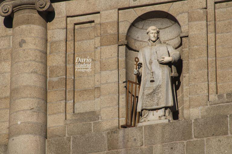 San Lorenzo en la Fachada de su Monasterio