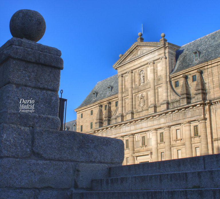 El Monasterio de San Lorenzo de El Escorial desde la Avenida Juan de Borbón