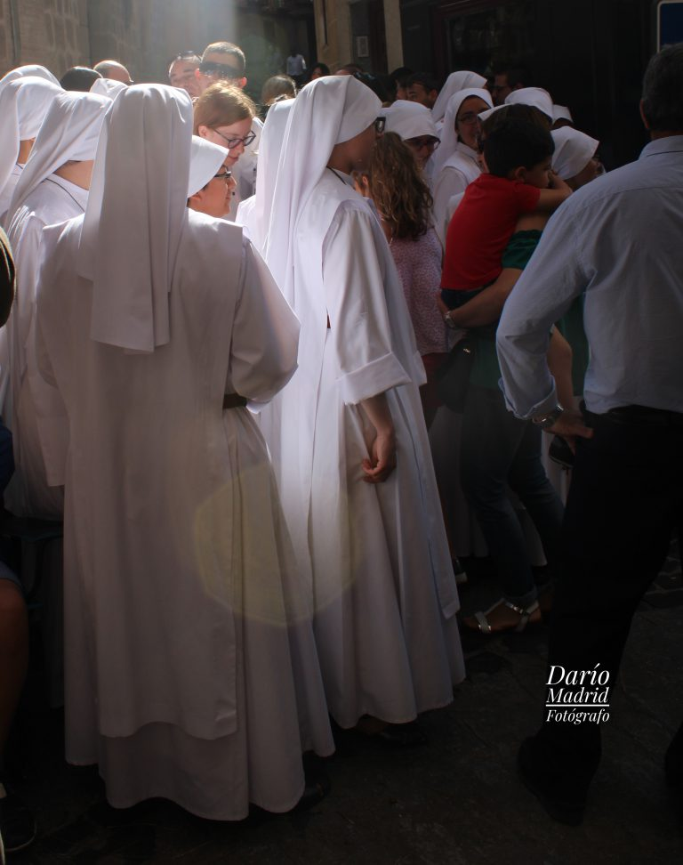 Religiosas en la Procesión del Corpus Christi de Toledo