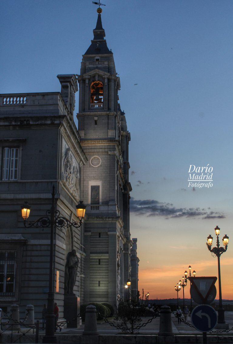 La Catedral de la Almudena a la hora del Crepúsculo