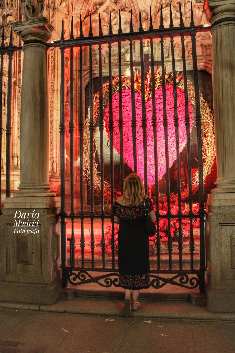 Viendo el Corazón del Corpus Christi en la Catedral de Toledo