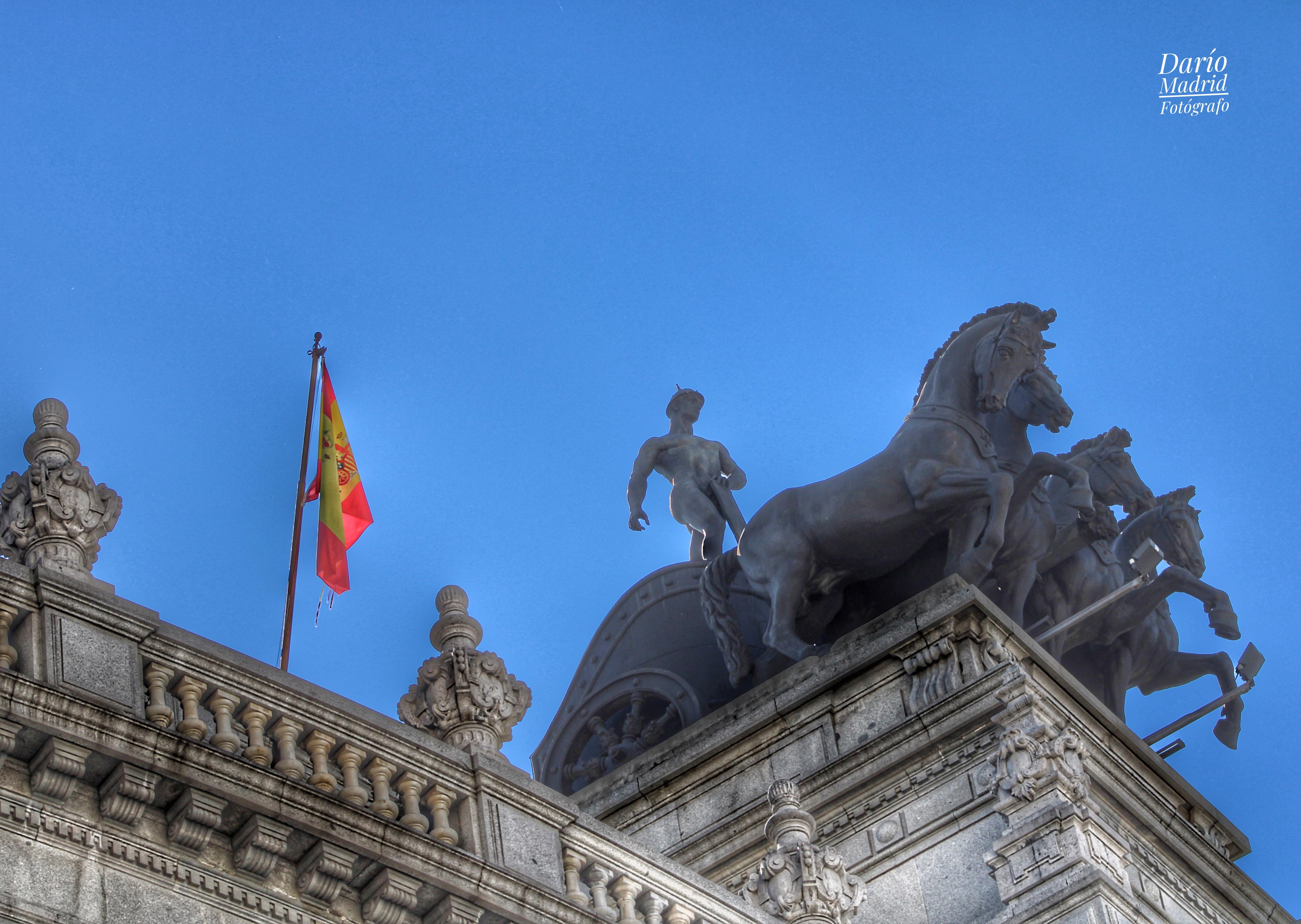 Cuadriga del Edificio de la Antigua Sede del Banco Bilbao