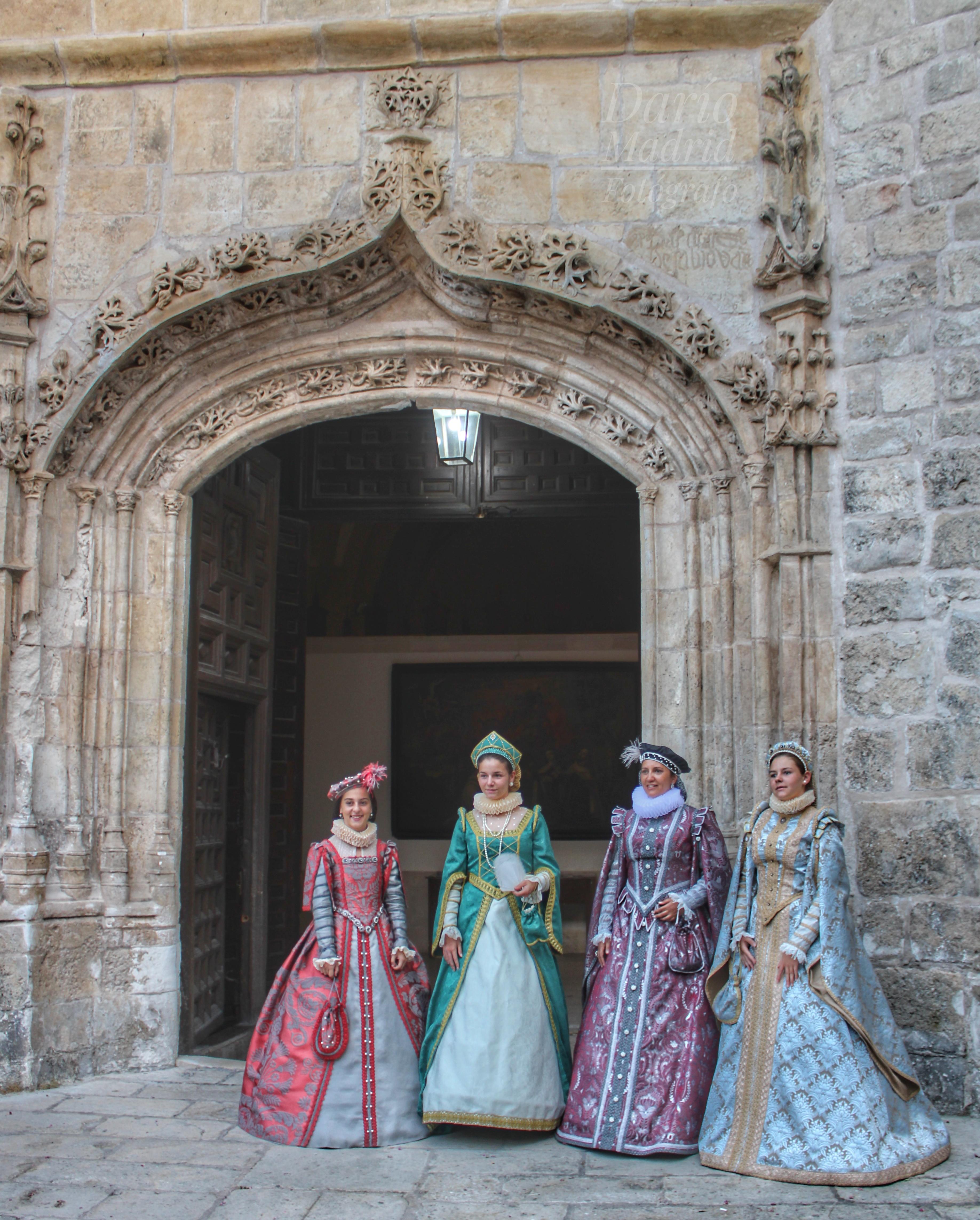 Trajes de Época en Pastrana con ocasión del Festival Ducal