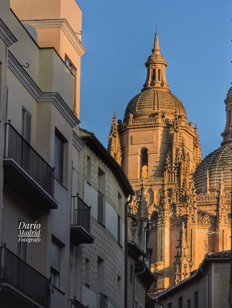 La Catedral de Segovia desde la calle Juan Bravo