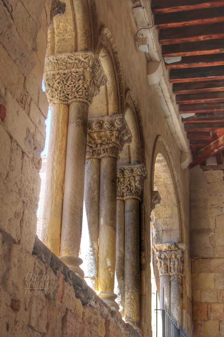 Columnas Románicas del Atrio de la Iglesia de San Martín de Segovia