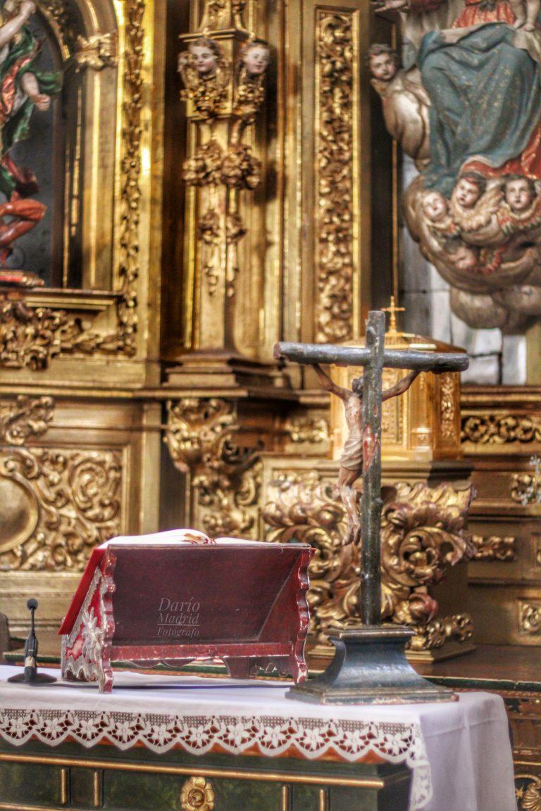 Misal y Crucifijo en la Iglesia de San Miguel de Segovia