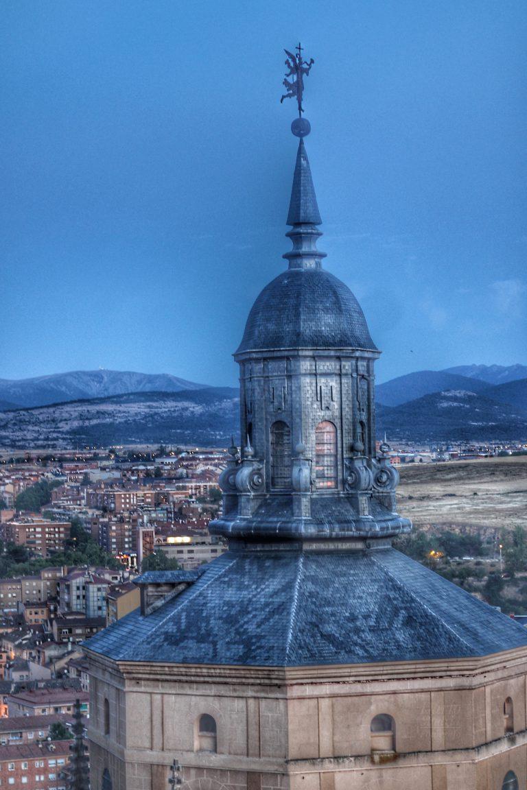 Vistas de Segovia desde el la Habitación del Campanero de la Torre de la Catedral de Segovia