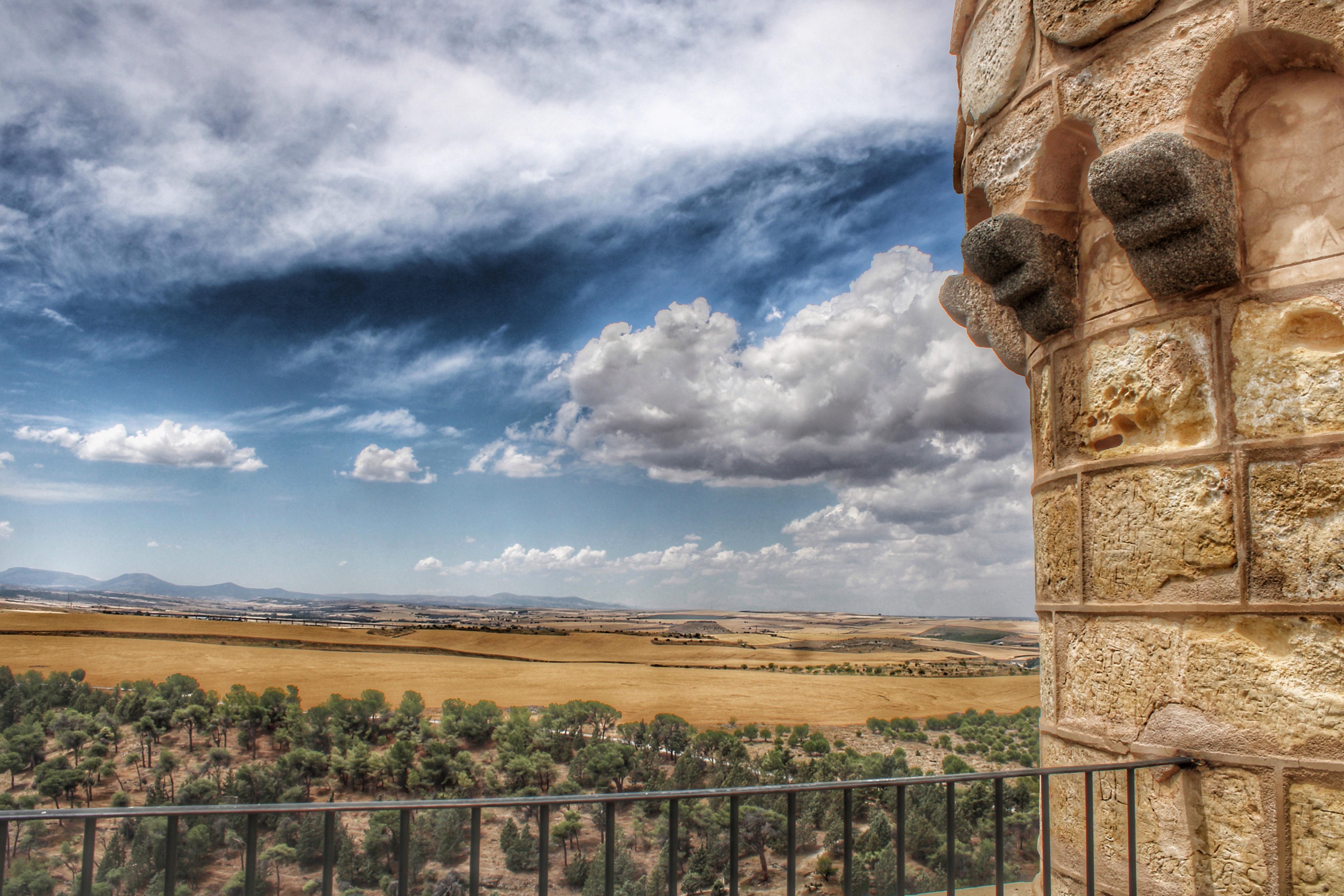 Vistas a los Campos de Castilla desde la Torre de Juan II desde el Alcázar de Segovia
