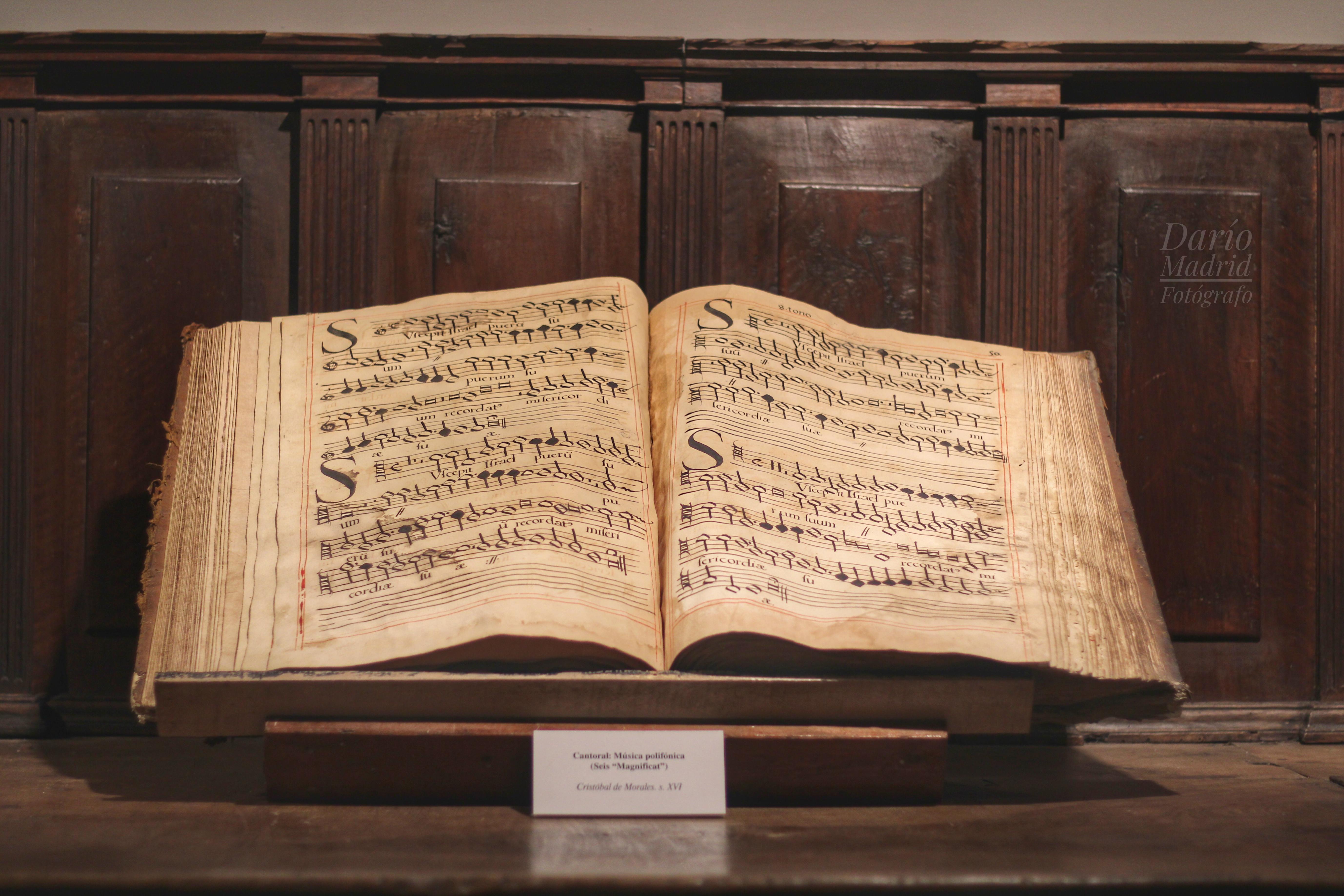 Cantoral del Museo Parroquial de Iglesia Colegiata de la Asunción de Pastrana