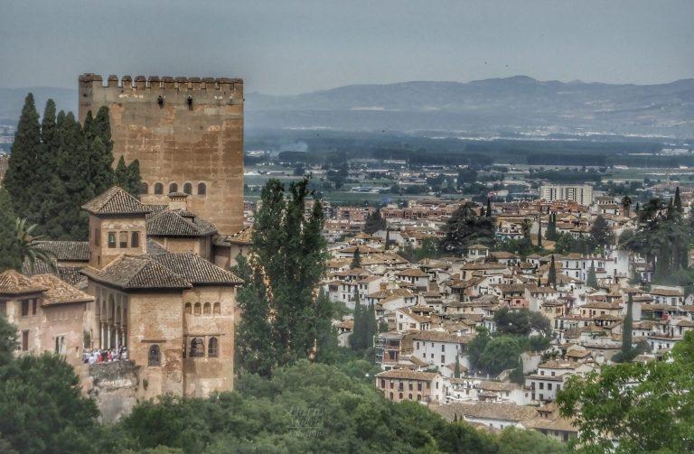 La Alhambra y la ciudad de Granada desde el Sacromonte