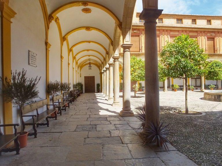 Patio de la Abadía del Sacramonte de Granada