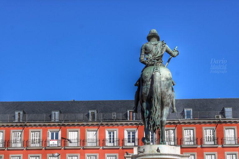 La Estatua de Felipe III en la Plaza Mayor de Madrid