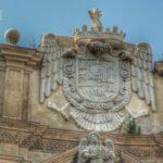 Los Cuatro Escudos de los Austrias en la plaza Quattro Canti de Palermo, Sicilia.